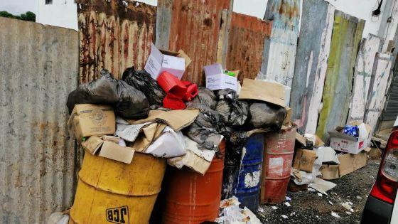 Conseil de district de Pamplemousses, Le Hochet à Terre Rouge : le ramassage d'ordures se fait irrégulièrement