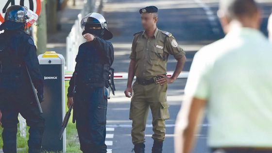 Mutinerie à la prison de Beau-Bassin :17 gardiens blessés, des dossiers brûlés et une évasion massive évitée