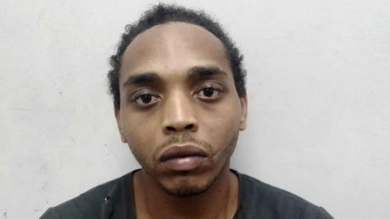 Une fille-mère de 16 ans poignardée -La tante de Kelly* : «Li dir li pou koulout li apre li pou met dife»