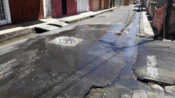 Après les grosses pluies, les eaux usées incommodent les Portlouisiens