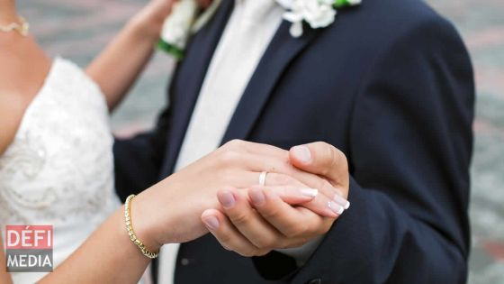 Quatre mariages et une amende pour un couple qui voulait profiter des congés
