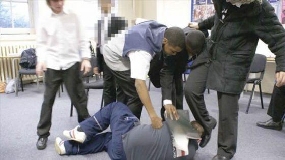 Violences au sein des établissements scolaires : àquand une loi pour protéger les enseignants?