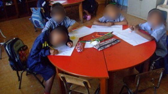Distribution de repas chauds dans deux écoles ZEP