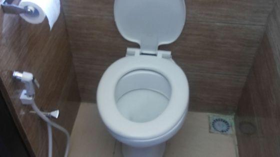 Gare de Réduit : les toilettes seront-elles prêtes dans deux semaines ?