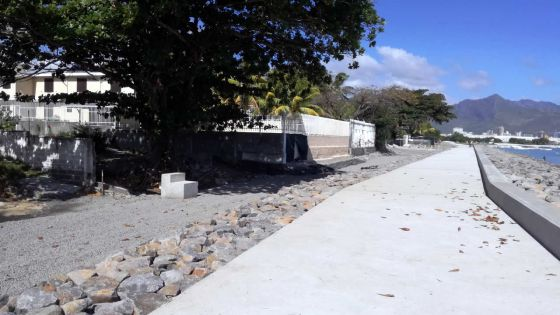 Baie-du-Tombeau : des travaux devant le bungalow des Jugnauth  irritent des pêcheurs