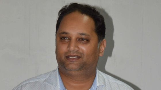 Aadil Ameer Meea fête ses 43 ans