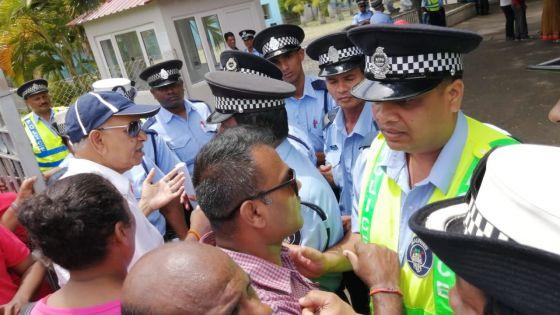 Circonscription 5 et no 7 : tensions entre des activistes et des policiers