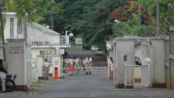 Saisies à la prison de Beau-Bassin : enquête sur la provenance des cartes SIM et de la drogue