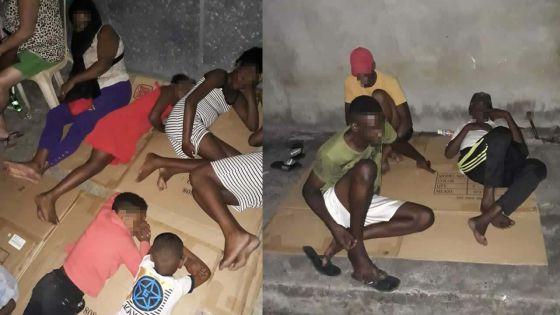 À Bain-des-Dames : des sinistrés dorment devant le poste de police