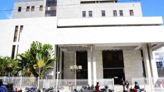 Décision de la cour civile intermédiaire maintenue en appel : les juges émettent des critiques contre certains avoués