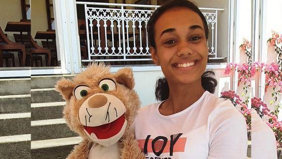 Ventriloque à 14 ans -Sarah Thévenau : «La ventriloquie demande beaucoup d'efforts au niveau des cordes vocales»