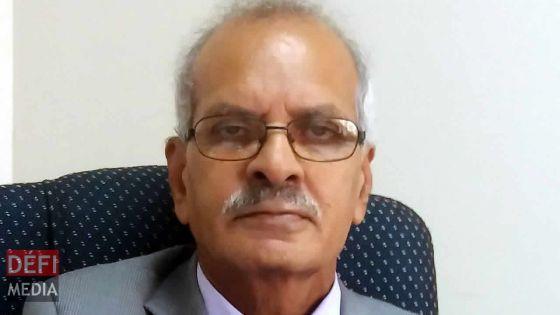 Arrêté pour abus de pouvoir : Sulaiman Hansrod s'acquitte d'une caution de Rs 150 000