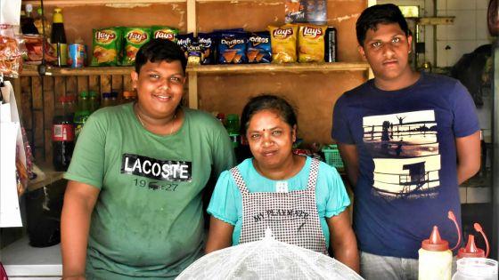 Pointe-aux-Roches : onze ans que Saveeta Appadoo gère un petit commerce sur la plage