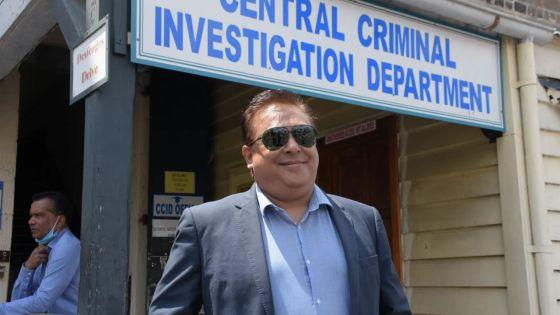 Complot allégué contre Sherry Singh : Me Samad Golamaully autorisé à partir après son interrogatoire