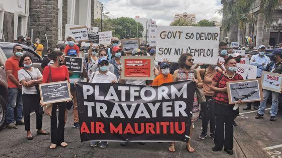 Manif des employés de MK : « C'est à l'État d'injecter de l'argent », clame un des manifestants