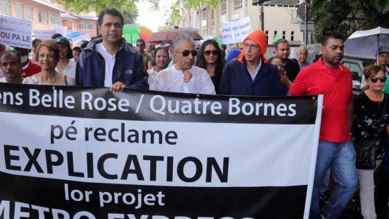 Marche contre le Metro Express à Quatre-Bornes : députés et habitants veulent plus d'explications