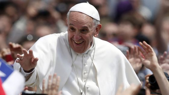 Le pape François à la rencontre de diverses familles à Sainte-Croix