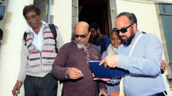 Déclaration ethnique des candidats :Rezistans ek Alternativ donne la réplique à l'État