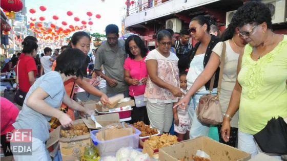 Nouvel An chinois : c'est la fête pour les commerces qui affûtent déjà leurs armes