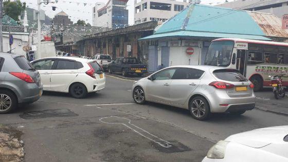 Un piéton mortellement fauché par un véhicule conduit par un adolescent -La mère du conducteur :«Il travaillait pour payer ses études»
