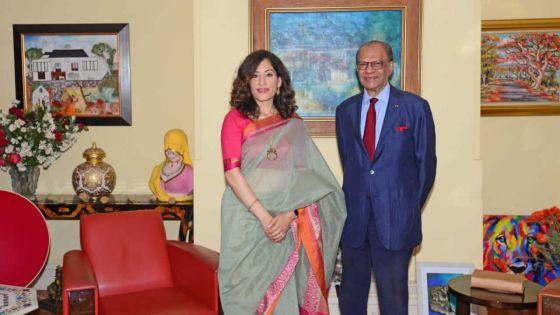 Diplomatie : K. Nandini Singla rencontre Ramgoolam