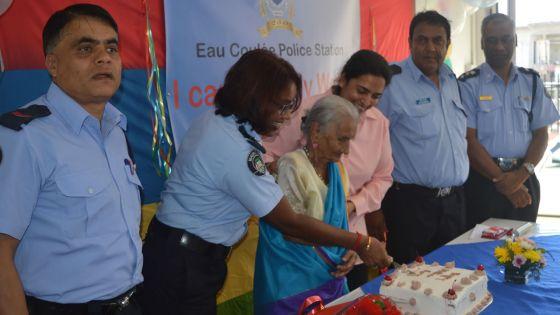 Agressions des vieux qui vivent seuls : la campagne 'I care Elderly Watch' en marche à l'initiative des policiers