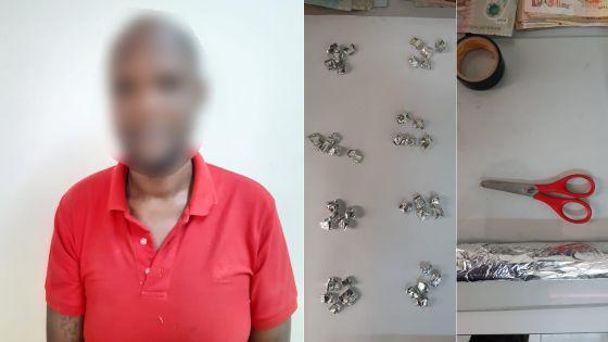 Tamarin : un suspect arrêté avec 60 doses d'héroïne