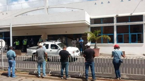 Rodrigues : manif du Mouvement citoyen anti-Covid devant l'Assemblée régionale