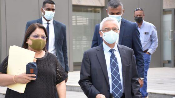 Cour suprême : la Private prosecution contre le PM gelée