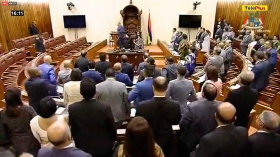 Assemblée nationale -En quatre mois: 3 h 15 minutes de travaux parlementaires