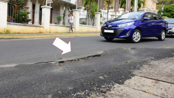 Rue Labourdonnais : un asphaltage qui s'affaisse