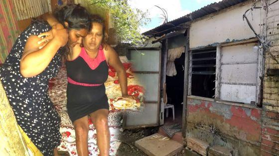 Le quotidien difficile de la famille Gogah: à 16 ans, elle abandonne l'école pour s'occuper de sa mère