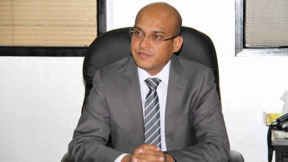 Rémunérations : le ministre du Travail satisfait de l'impact du salaire minimal