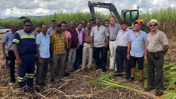 Face au manque de main-d'œuvre dans l'industrie sucrière : un nouveau 'cane cutter' pour les planteurs