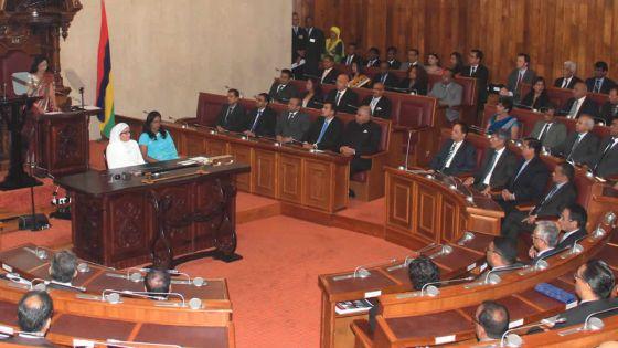 Rentrée parlementaire: ministres et députés de l'alliance Lepep dans un «mood combattif»