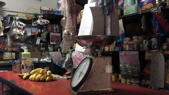 Plan de réouverture des supermarchés : les petits commerces dans l'expectative
