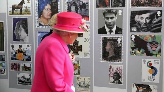 La reine Elizabeth et son fameux timbre-poste de Maurice