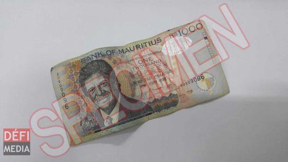 De faux billets de Rs 1 000 en circulation