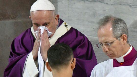 Le pape, enrhumé, annule toutes ses audiences vendredi
