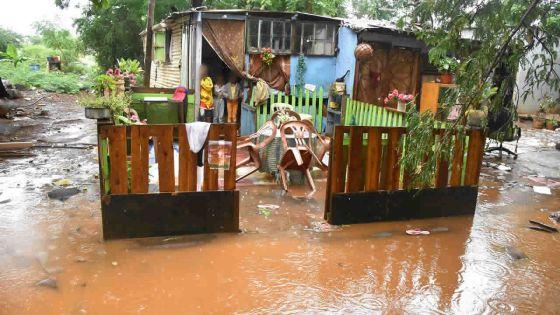Fortes pluies : ces personnes qui tremblent de peur à chaque averse