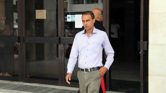 De la drogue retrouvée dans ses chaussettes : le gardien Fowdar veut visionner les caméras de la Search Room