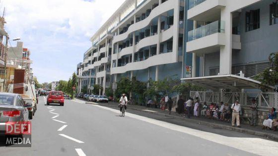 Manque de parking pour le publicà l'hôpital Dr A. G. Jeetoo