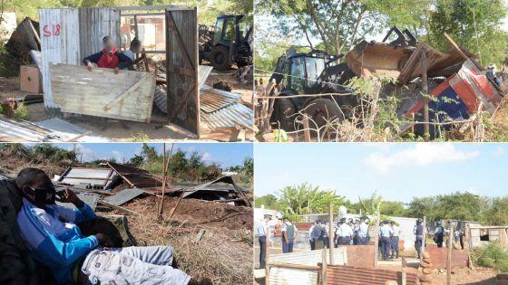 Démolition des maisonnettes des squatters de Pointe-aux-Sables