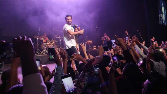 Concert au SVICC : foule conquise pour Atif Aslam!
