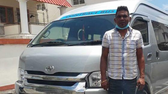 Dettes non honorées suite au confinement : son van de Rs 1,4 M sousla menace d'une saisie