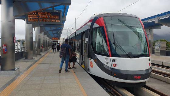 Metro Express : des barrières installéesà plusieurs intersections