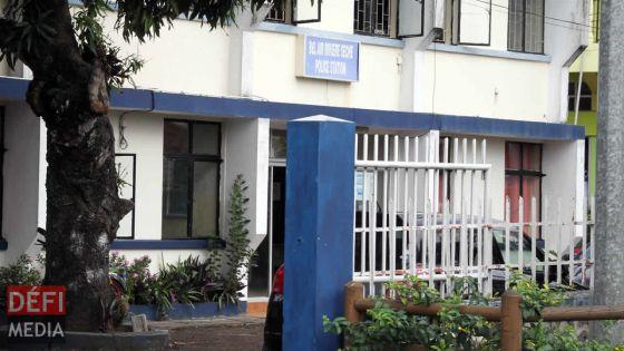 À Quatre-Sœurs : sept personnes arrêtées pour «damaging Government Property by band»