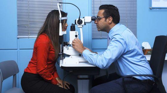 Entrepreneuriat -  Yudisteeraj Gopee : le professionnel de la santé des yeux
