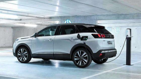 Salon de l'Automobile : les véhicules hybridesdans l'air du temps