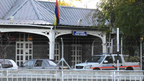 À Sainte-Croix : deux touristes piégés par deux femmes